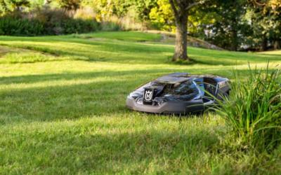 Une tondeuse robotisée pour s'occuper de votre gazon ?